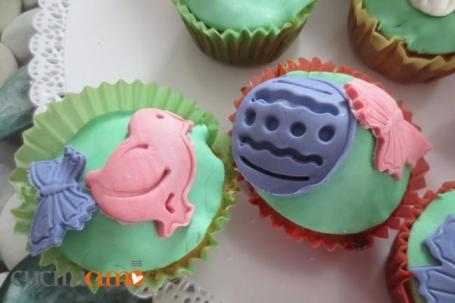 cup cake decorati con pulcino e uovo di pasqua