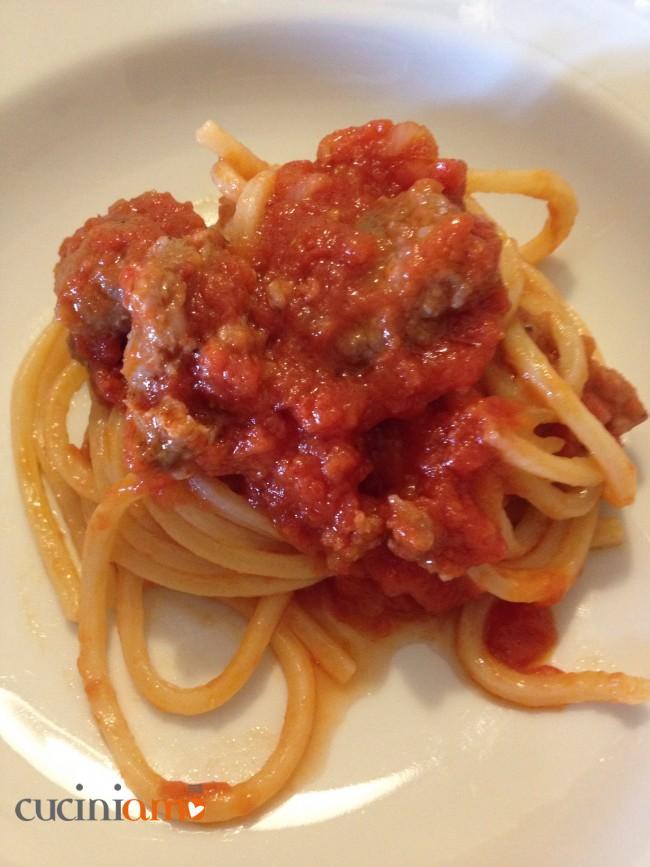 Spaghetti alla chitarra con sugo di salsiccia