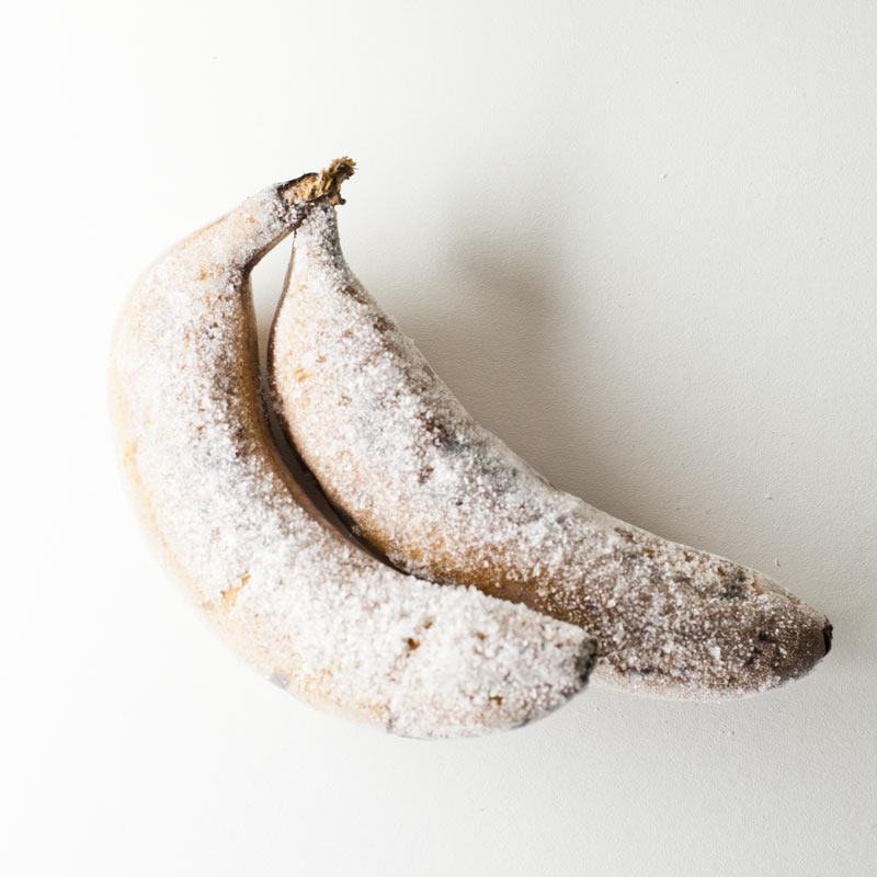 Plátanos congelados con piel