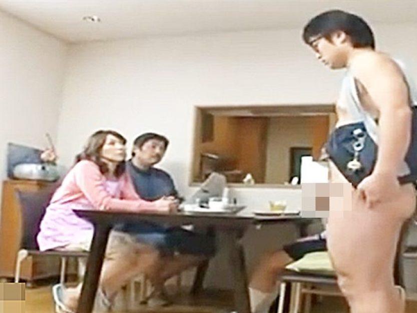 ☆近親相姦・翔田千里☆《ココは、セックスのハードルが異常に低い世界..!?》家族が仲良く朝食タイムですが。。エロいんです