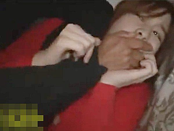 ◆夜行バス・痴漢|桜ちなみ◆『んんっ、、ンんッ..!?』寝静まった車内で襲われる色白デカパイお姉さん。。羞恥と恐怖がエロ