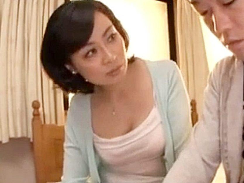 ◆母子相姦|手コキ射精◆『お母さん、相談にノリに来たんだョ♡』同級生に短小チンポをバカにされた息子。。美熟女ママ、出番や