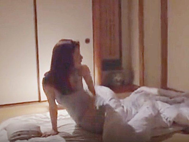 ◆エロドラマ・嫁の母 夜這い・前田可奈子◆「お義母さん..」深夜、愛しの娘婿の声に布団から身を起こすスレンダー美熟女ママ