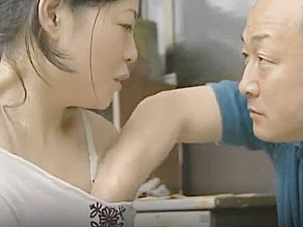 ★エロドラマ・浮気妻 ロマンポルノ・人妻NTR★「亭主、どこ行った?」『とうぶん帰らん♡』洗濯しながら発情する奥様です