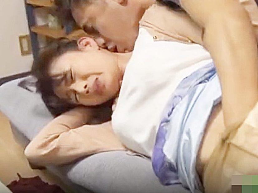 ◇NTR・エロドラマ|友人の母・三浦恵理子◇『あっあっ、ダメ~!?』父親と、あやしい関係の美熟女を襲う発情息子ですョ~