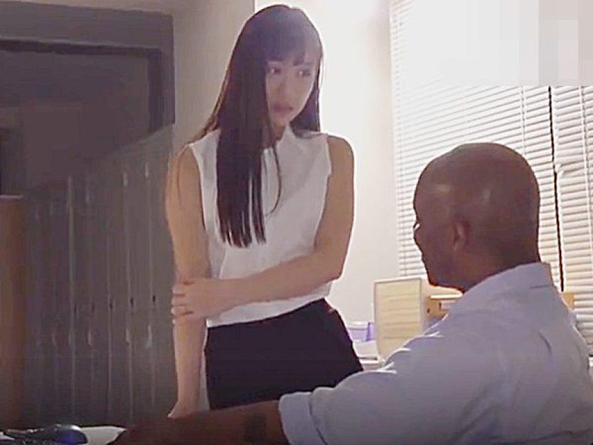 ◇人妻NTR・エロドラマ 外国人・デカチン◇『部長とシたのが忘れられなくて..♡』黒人上司にセックス懇願する美尻奥様です