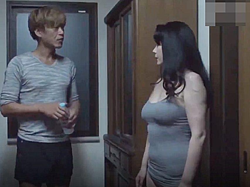 ◆エロドラマ・近親相姦|三浦恵理子◆『かっ、母さん..!?』深夜、キッチンに水を飲みにきた息子を襲う美熟女ママですョ~