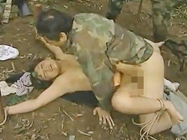 ◆ロマンポルノ・肉便器 エロドラマ・戦争・輪姦◆『あっあっ、、』戦場では、捕虜の女は鬼畜兵士たちの性処理おもちゃデス..