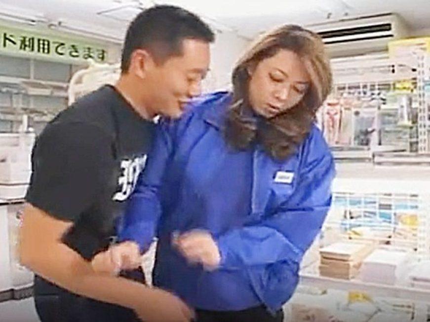 ◆強姦・コンビニ|風間ゆみ◆『ちょっと、ヤメてください!?』2人きりの店内でエロ男に襲われる豊満おばさん店員ですョ~