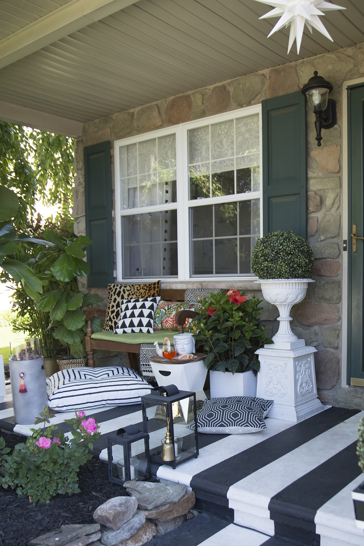 Summer In Style Outdoor Edition: Tropical, black and white ... on Black And White Backyard Decor  id=23144