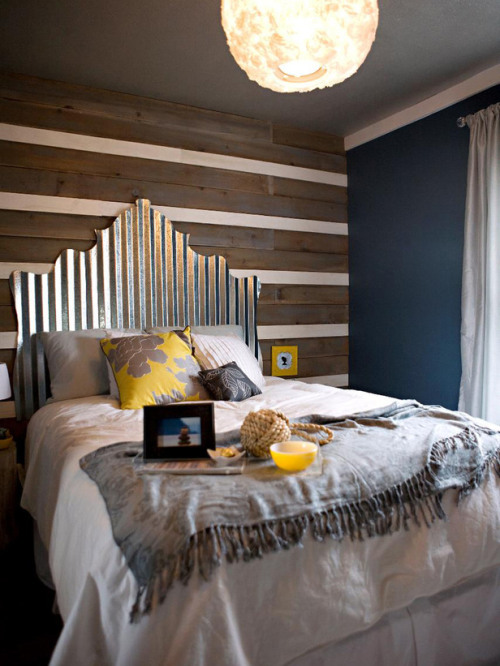 DIY headboard: reclaimed corrugated tin