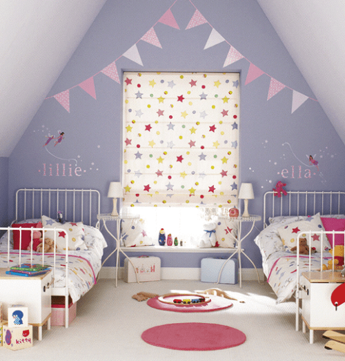 kids wall art: pretty decals and bunting