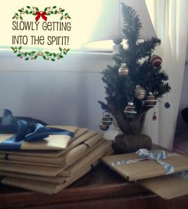 pretty holiday decorations: kids mini tree