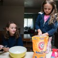 keeping kids busy during winter break - baking soda and vinegar fun