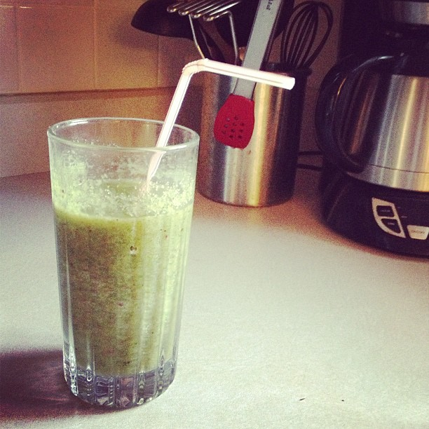 mom diary: green smoothie