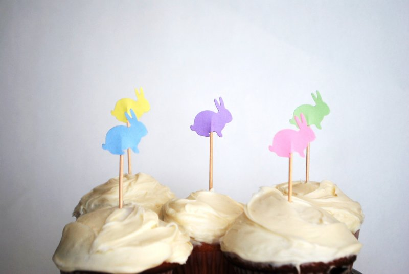 Etsy Finds: The Path Less Traveled cupcake toppers