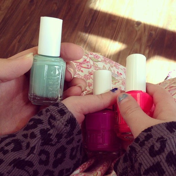 mom diary: manicures