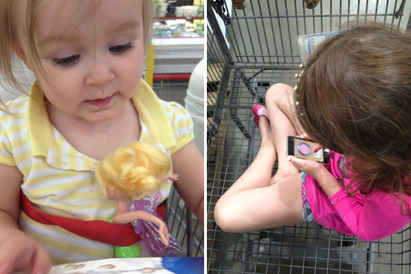 grocery shopping with kids: bring distractions
