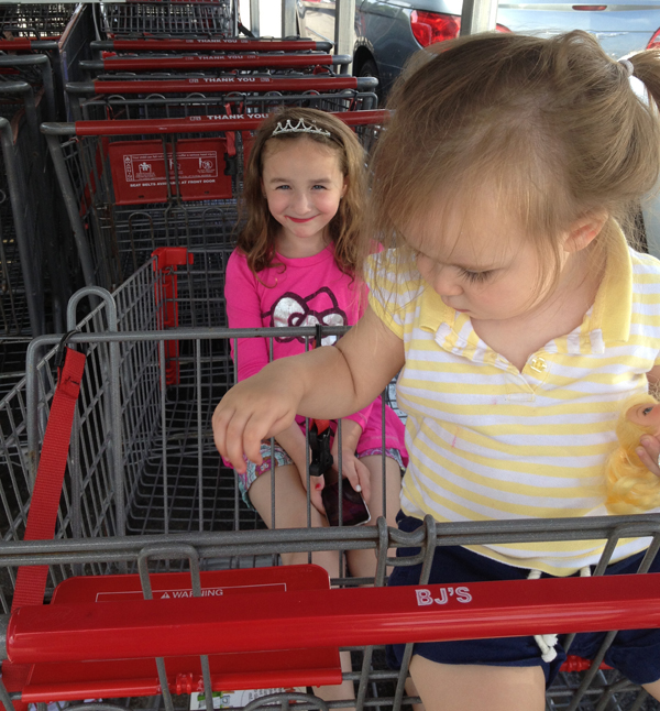 grocery shopping with kids: park by the cart drop