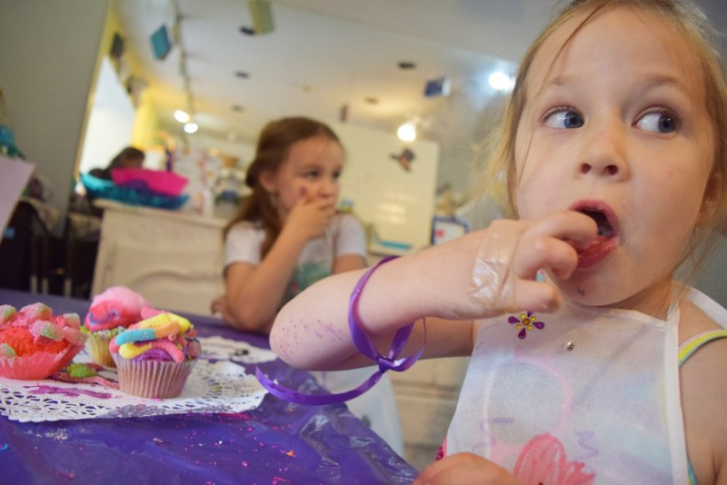 50+ indoor activities for kids - Cupcake Wars