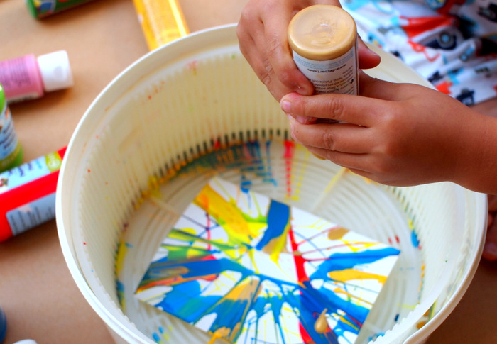 50+ indoor kids activities - salad spinner spin art