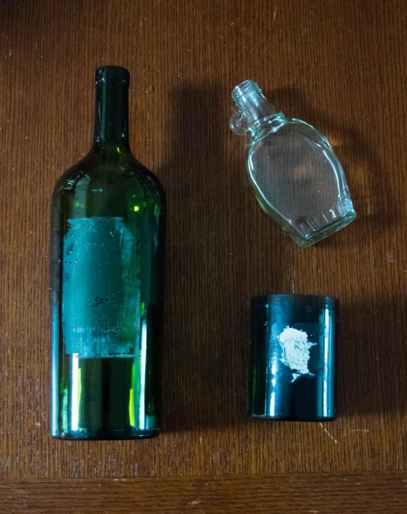 super simple recycled bottle vase - DIY - removing sticky labels