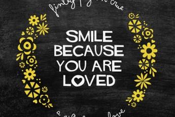 Minted word art: Smile