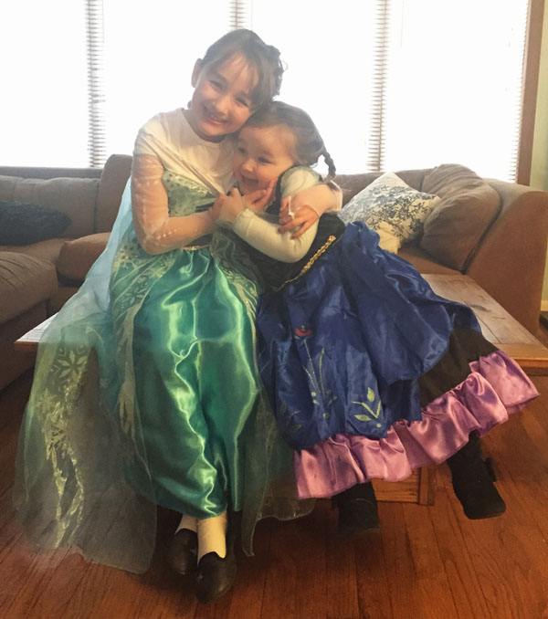 Frozen loving sisters