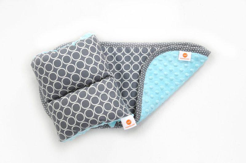 New Baby Giveaway! | pello comfy cradle burp cloth set