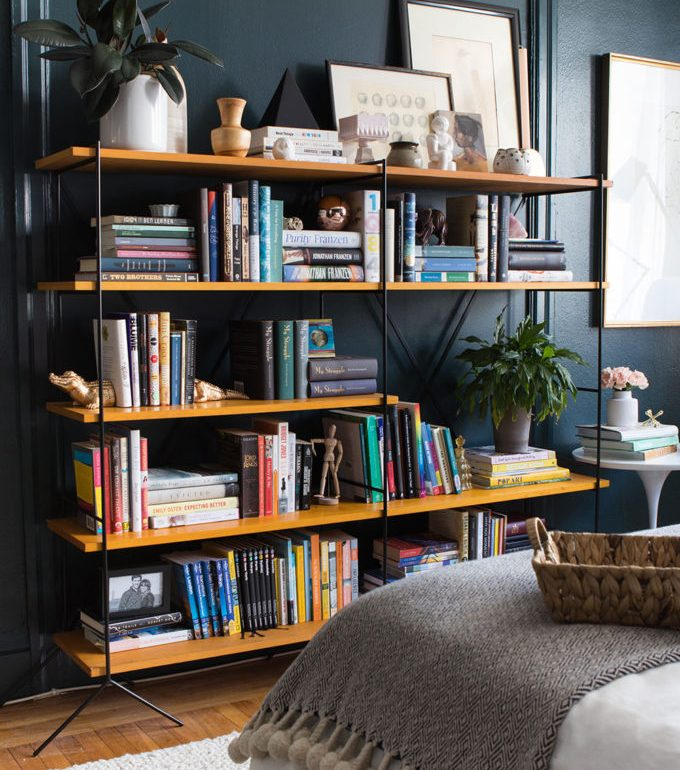 shelf styling tips - don't always center objects