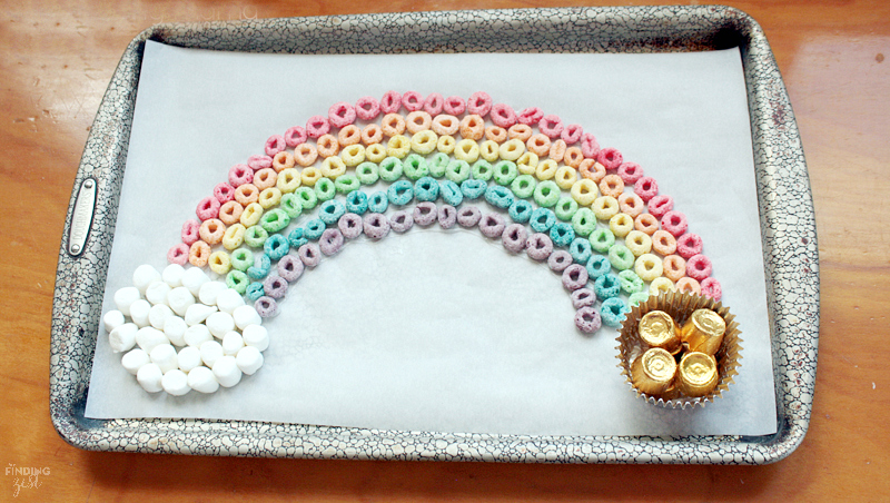 Rainbow Crafts for Kids - Edible Rainbow with Cereal