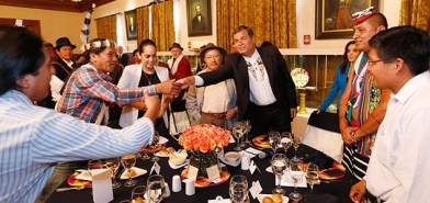 President Correa met with indigenous leaders opposed to protests on Monday.