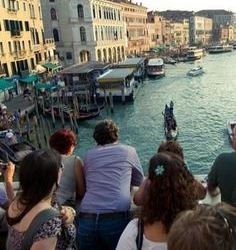 Florence and Venice reconsider tourism during the pandemic lull, discuss a ban on Airbnb rentals