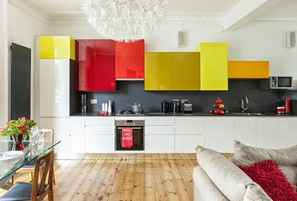 Bright and Modernkitchen cabinets