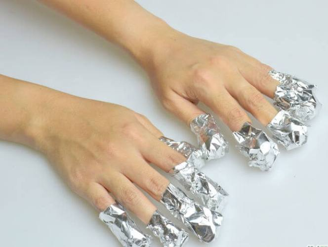 How To Remove Of Acrylic Nails Using Acetone And Aluminum Foil
