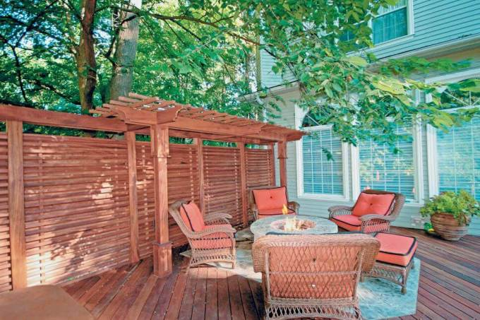 Design Ideas for Outdoor Privacy Walls, Screens and Curtains