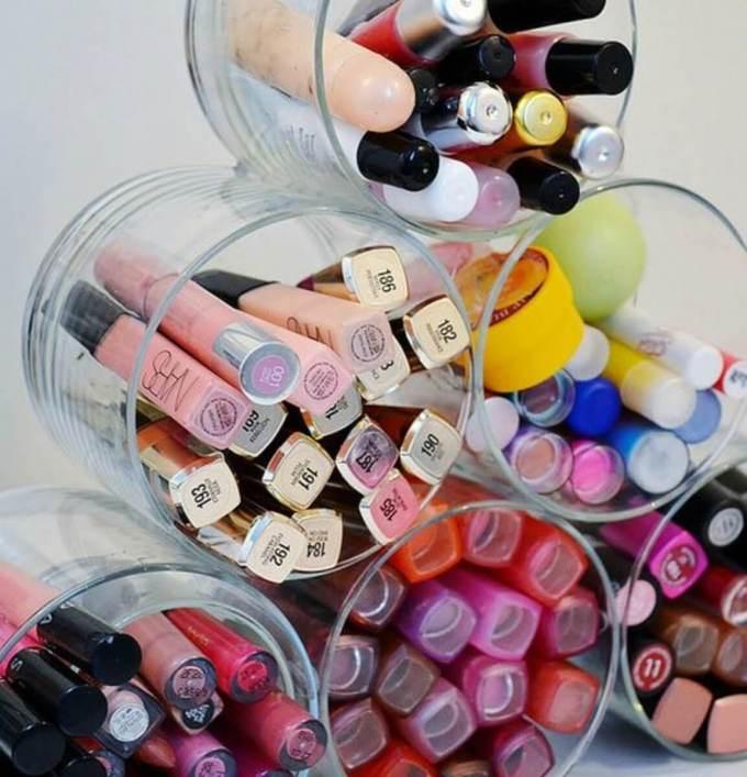 DIY Makeup Storage from Old Candle Jar