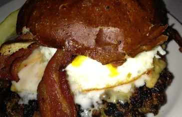 Slater's 50/50 Fire Burger