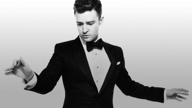 Justin Timberlake with cufflinks