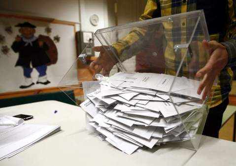 apertura urna elecciones diputados