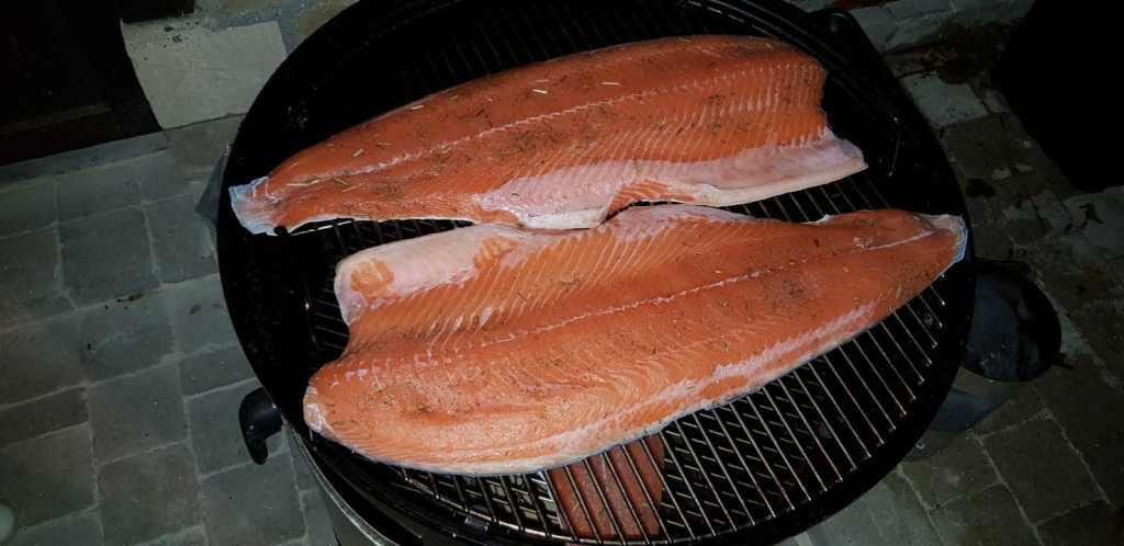 smokey mountain cooker 47 cm barbecue weber fumage à froid saumon fumé