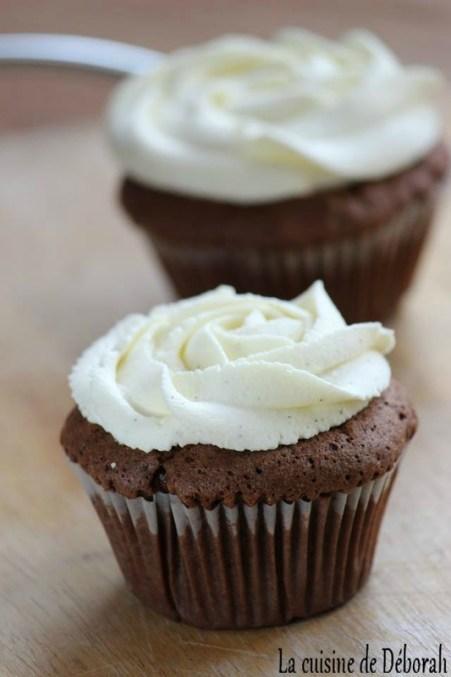Cupcakes au chocolat, ganache montée chocolat blanc et vanille -Cuisine de Déborah