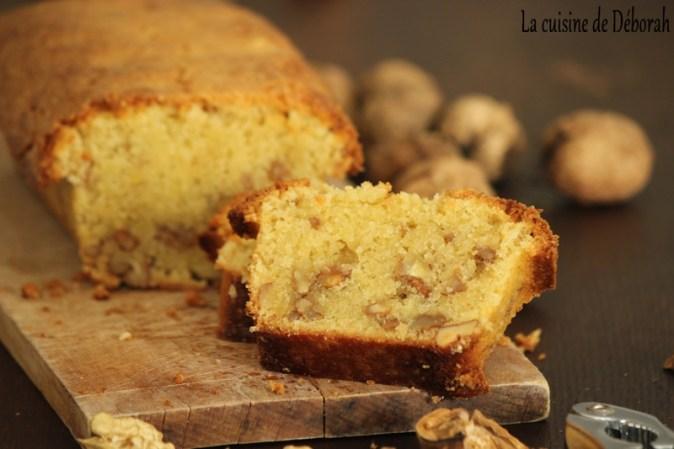 Gâteau rustique aux noix fraîches