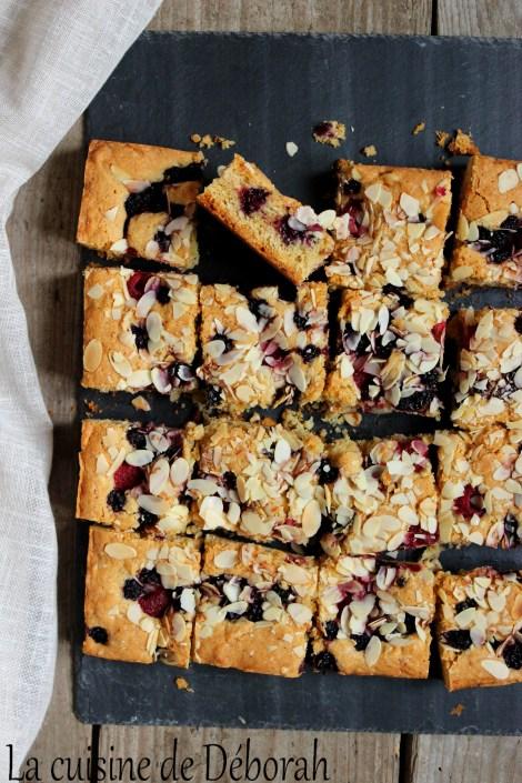 Gâteau fruits rouges et amandes cuisine de deborah