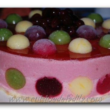 Bavarois aux fraises et ses bulles de fruits colorées