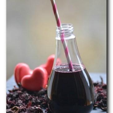 Karkadé : boisson aux fleurs d'hibiscus séchées
