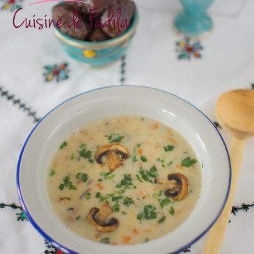 Soupe au poulet et champignons