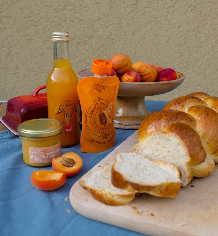 bread and apricots