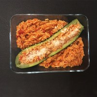 Courgette farcie au riz à la tomate