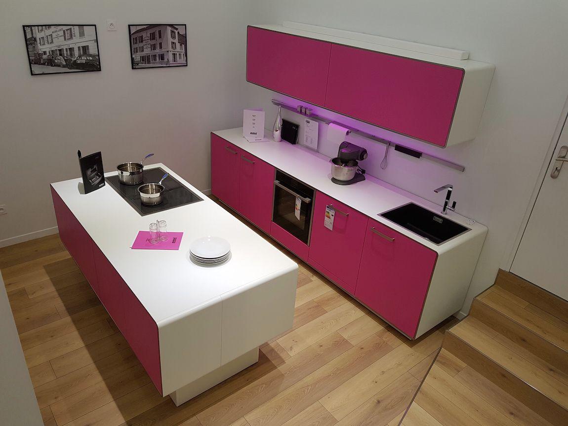 cuisine d 39 exposition s lection cuisines 65. Black Bedroom Furniture Sets. Home Design Ideas
